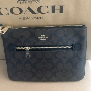 Authentic Coach Large Charlie Wristlet NWT